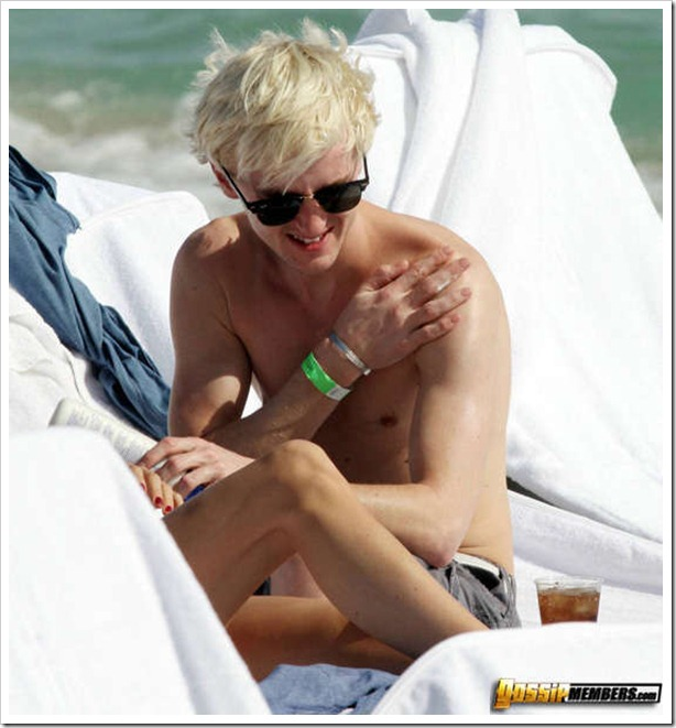 MAVRIXONLINE.COM - DAILY MAIL ONLINE OUT -  Harry Potter actor Tom Felton and his girlfriend Jade Gordon enjoy another day in the sun. Felton who plays mean Malfoy in the hit movies doffed his shirt to reveal his slim physique and made sure to put lotion on his fair skin before drinking a glass of Pepsi. Fontainebleau Miami Beach, FL. 12/30/09.<br /> Fees must be agreed for image use.<br /> Byline, credit, TV usage, web usage or linkback must read MAVRIXONLINE.COM.<br /> Failure to byline correctly will incur double the agreed fee.<br /> Tel: 305 542 9275 or 954 698 6777.<br />